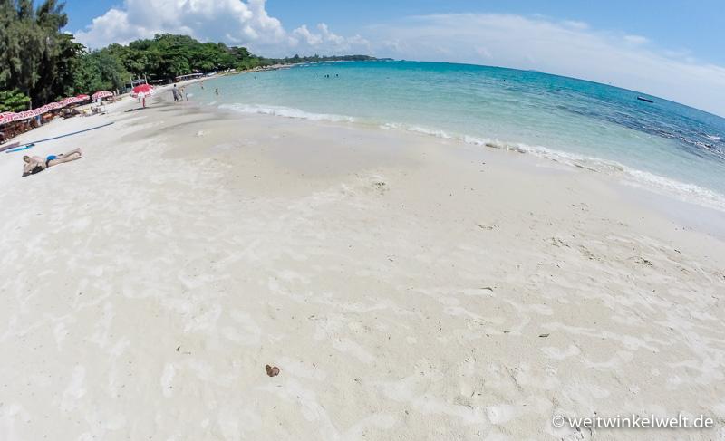 Strand und Wasser