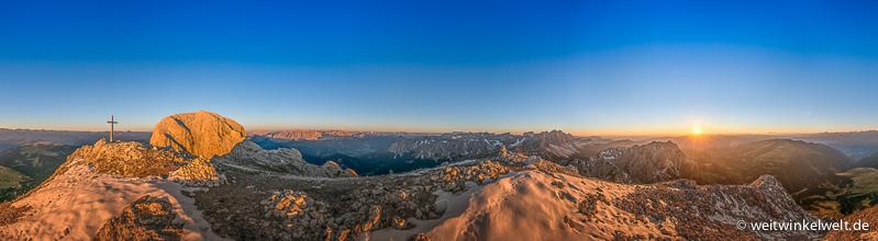 Berge bei Sonnenaufgang