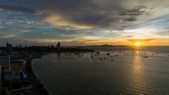 Untergehende Sonne in Thailand